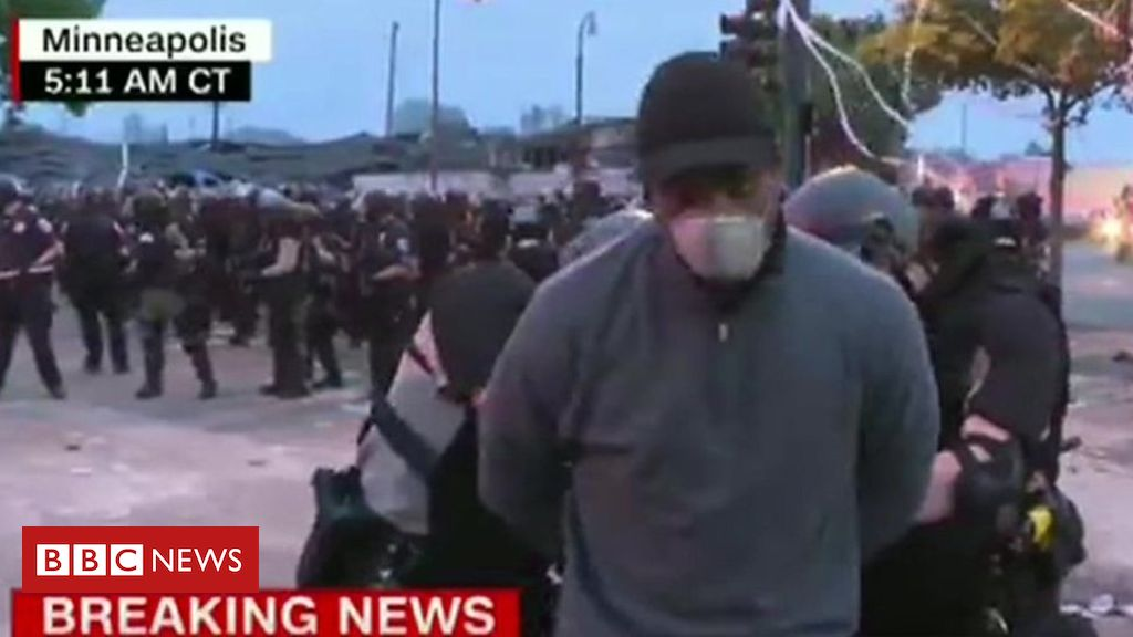 Photo of Minneapolis unrest: CNN reporter arrested live on air