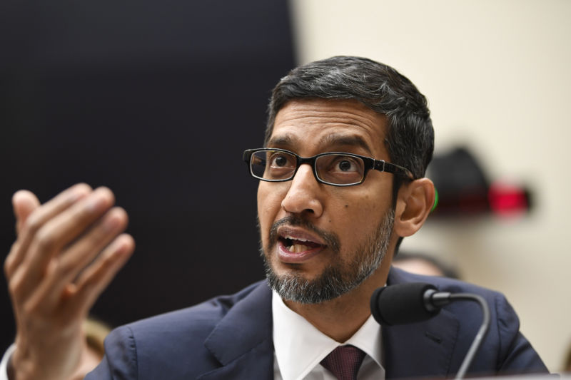 Photo of Google pledges not to make custom software for oil and gas extraction
