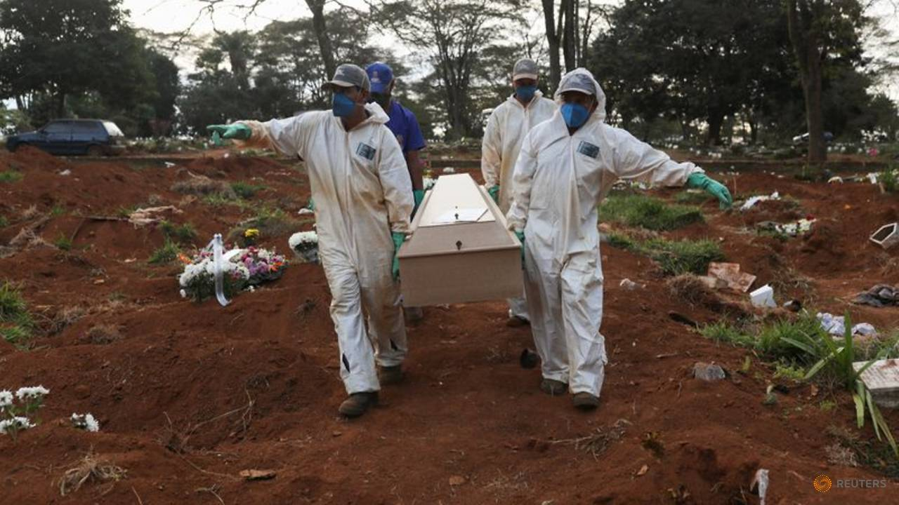 Photo of Brazil registers 965 new COVID-19 deaths, confirmed cases hit 347,398