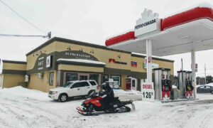 Photo of Body Found in Lac-St-Jean Region Could Be One of Two Missing French Snowmobilers