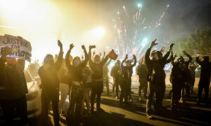 Photo of GOP Representatives Propose Doubling Federal Punishment for Rioting