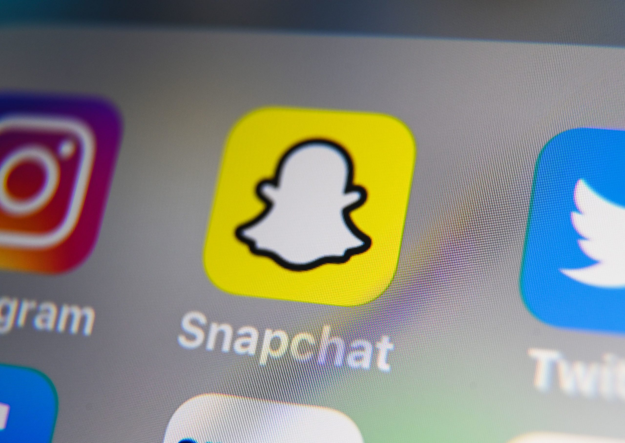 Photo of Snap to stop promoting Trumps account because of threats against protesters