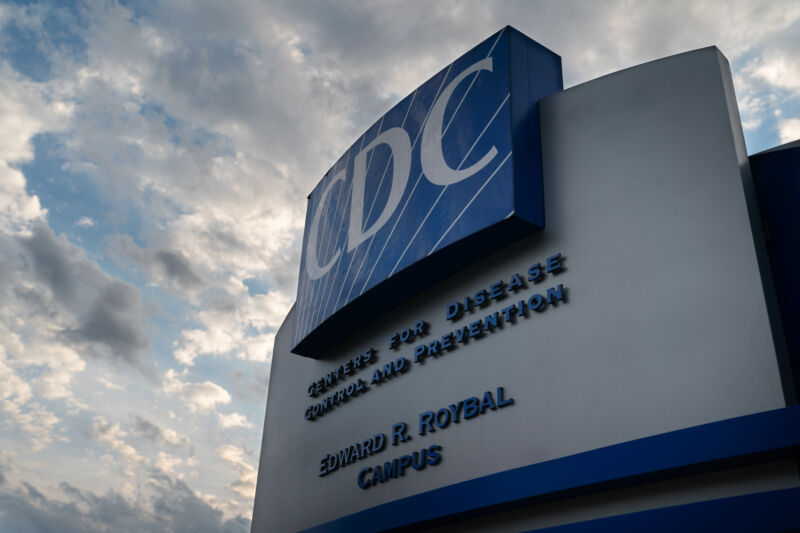 Photo of After months of silence, CDC holds press briefing, issues new COVID advice