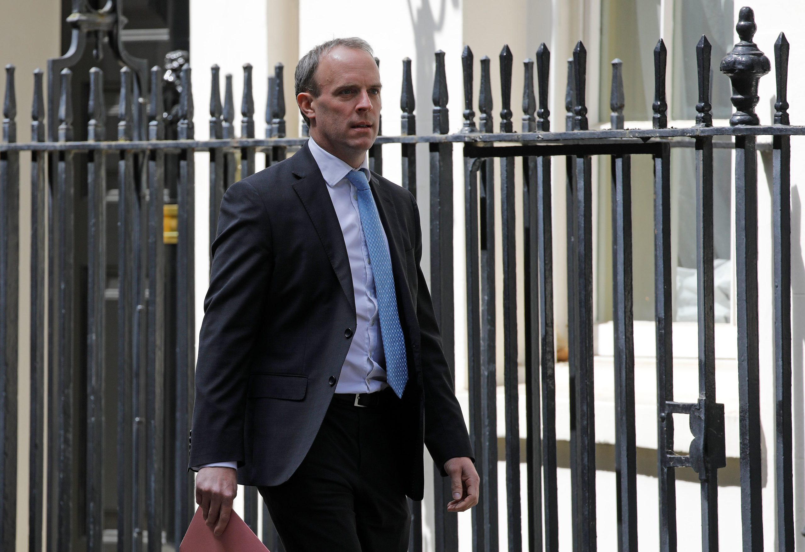 Photo of Dominic Raab: Russia is trying to exploit corona crisis in Britain