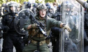 Photo of Majority of Americans Support Use of National Guard, Military to Help Address Riots