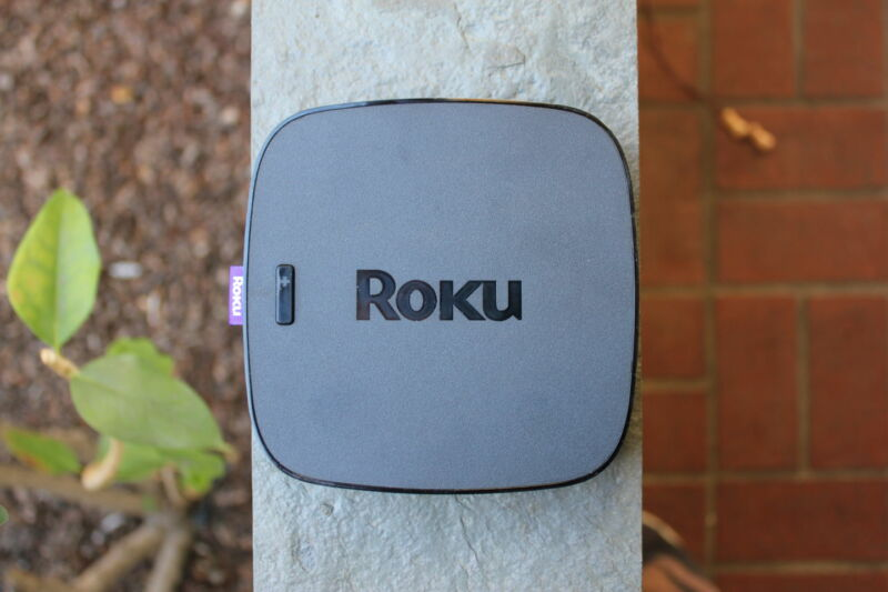 Photo of Hulu scraps support for older Roku devices