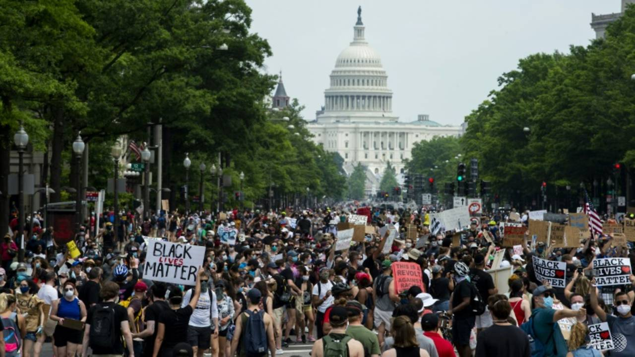 Photo of Amid wide US protests, Democrats press anti-racism reforms