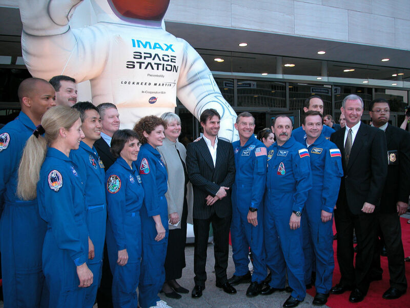 Photo of Everything we know—and dont—about Tom Cruises plans to film a movie in space