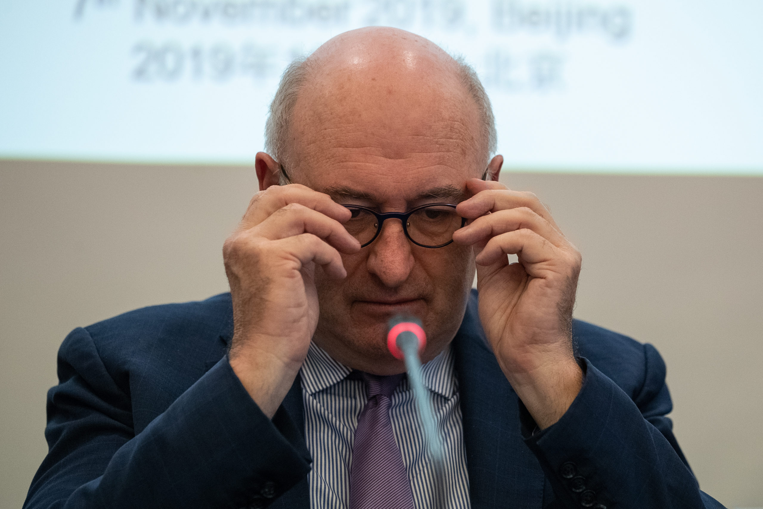 Photo of EU stumbles to brink of tariff war with weakened trade chief