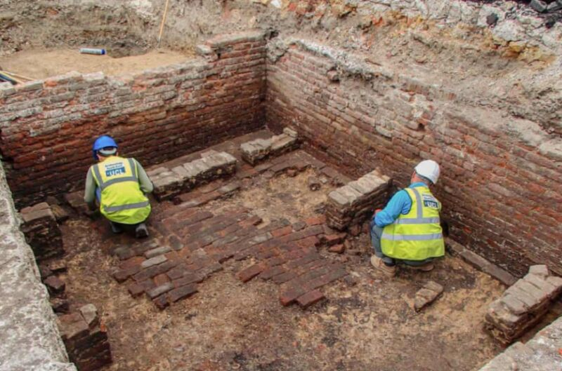Photo of Archaeologists may have found site of the Red Lion, Londons first playhouse