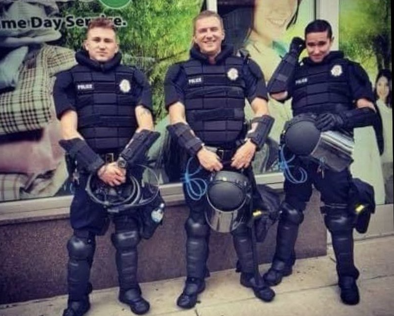 "Photo of ""Lets start a riot"": Denver cop fired for inflammatory Instagram post"