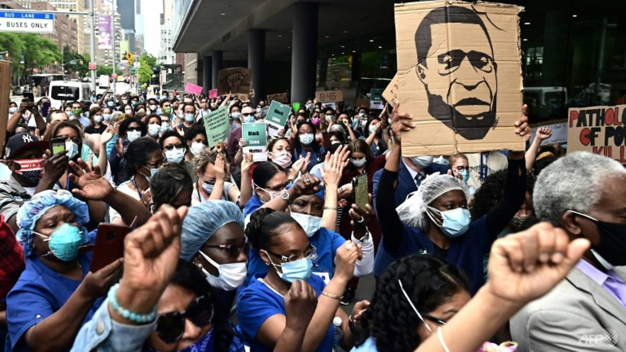 Photo of 'They are the heroes now': COVID-19 doctors join racism protests