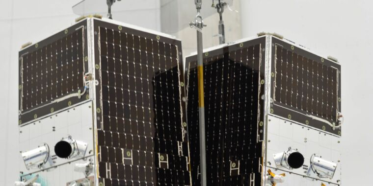 Photo of Planet teams with SpaceX to expand its Earth-observation constellation