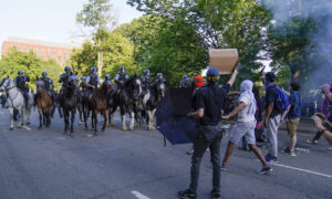 Photo of Black Lives Matter Sues Trump Administration Over Law Enforcement Measures Near White House