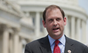 Photo of Wife of Rep. Andy Barr Dies at Age 39