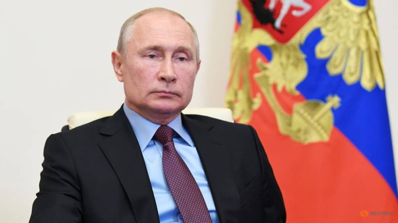Photo of Putin Says Russia Will Be Able to Counter Hypersonic Weapons