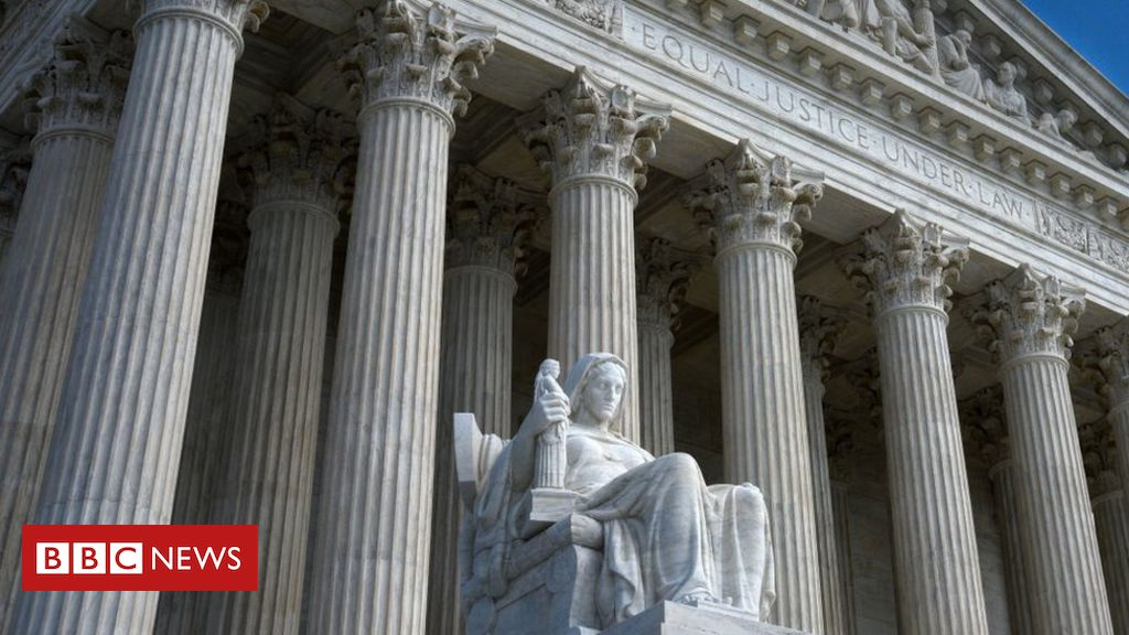 Photo of Trump taxes: Supreme Court says New York prosecutors can see records