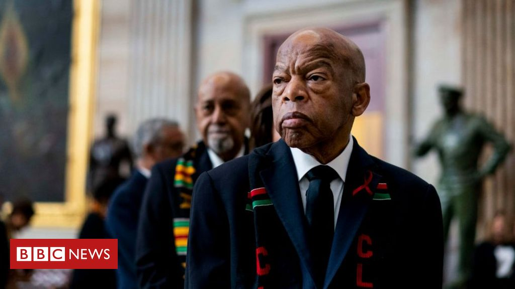 Photo of John Lewis: Civil rights icon and congressman dies aged 80