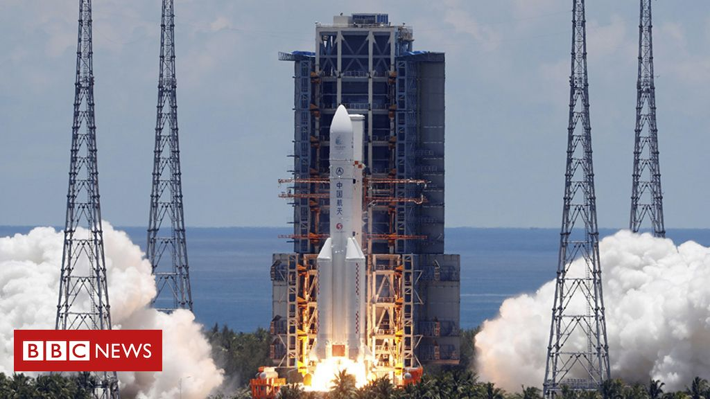 Photo of China's Tianwen-1 Mars rover rockets away from Earth