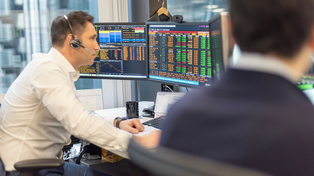 Photo of FTSE 100 shifts into positive territory on quiet day