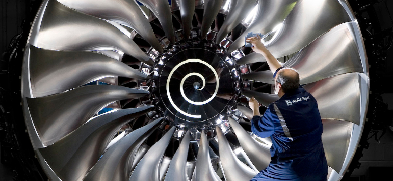 Photo of FTSE 100 holds gains; Rolls-Royce plans £1.5bn rights issue