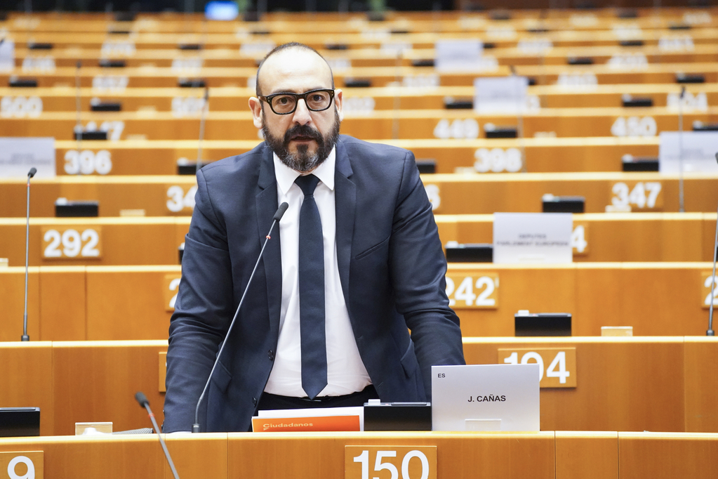 Photo of Travel warnings and quarantine are new protectionism, says Spanish MEP