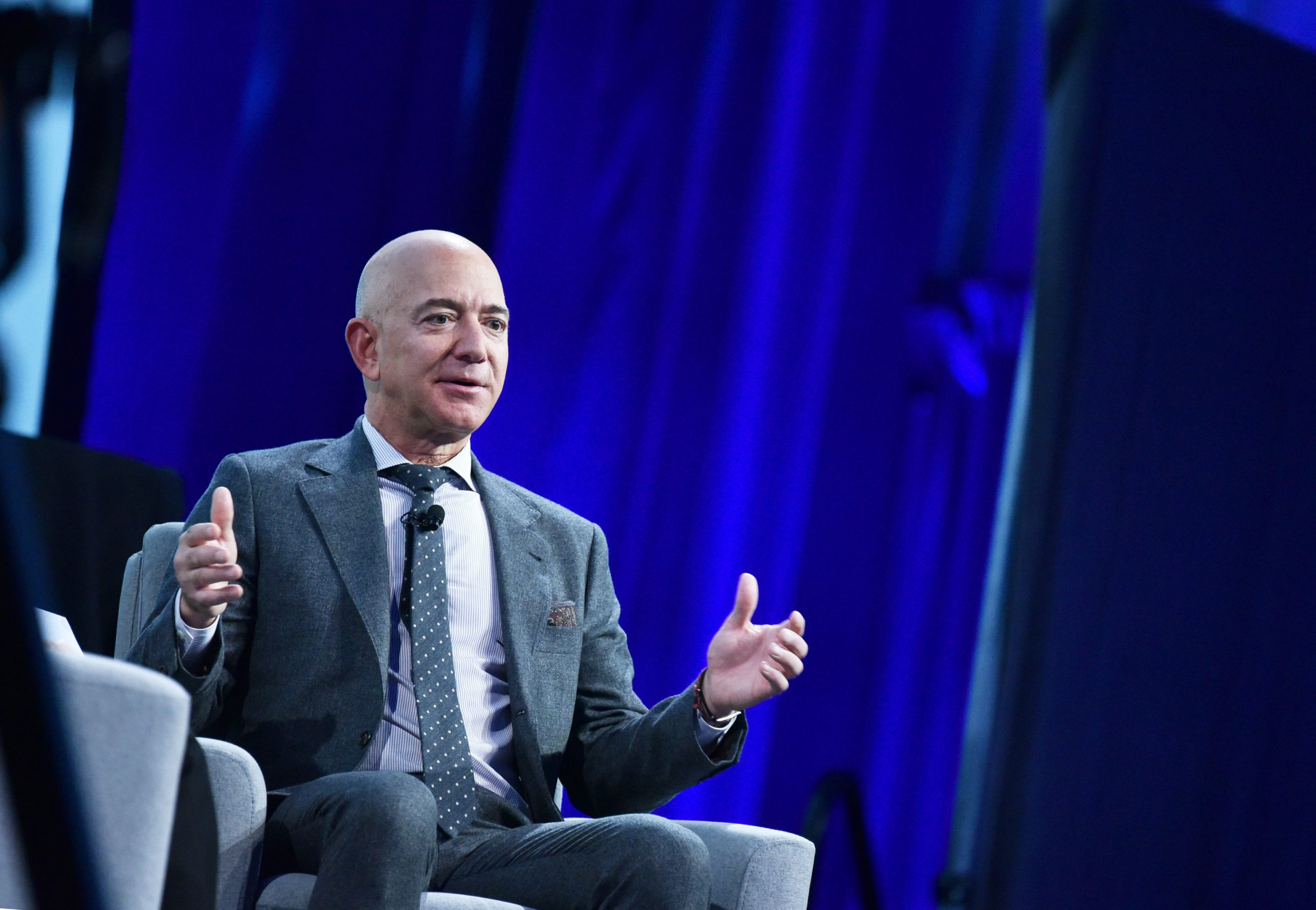 Photo of Amazons Bezos: The world needs giant companies too
