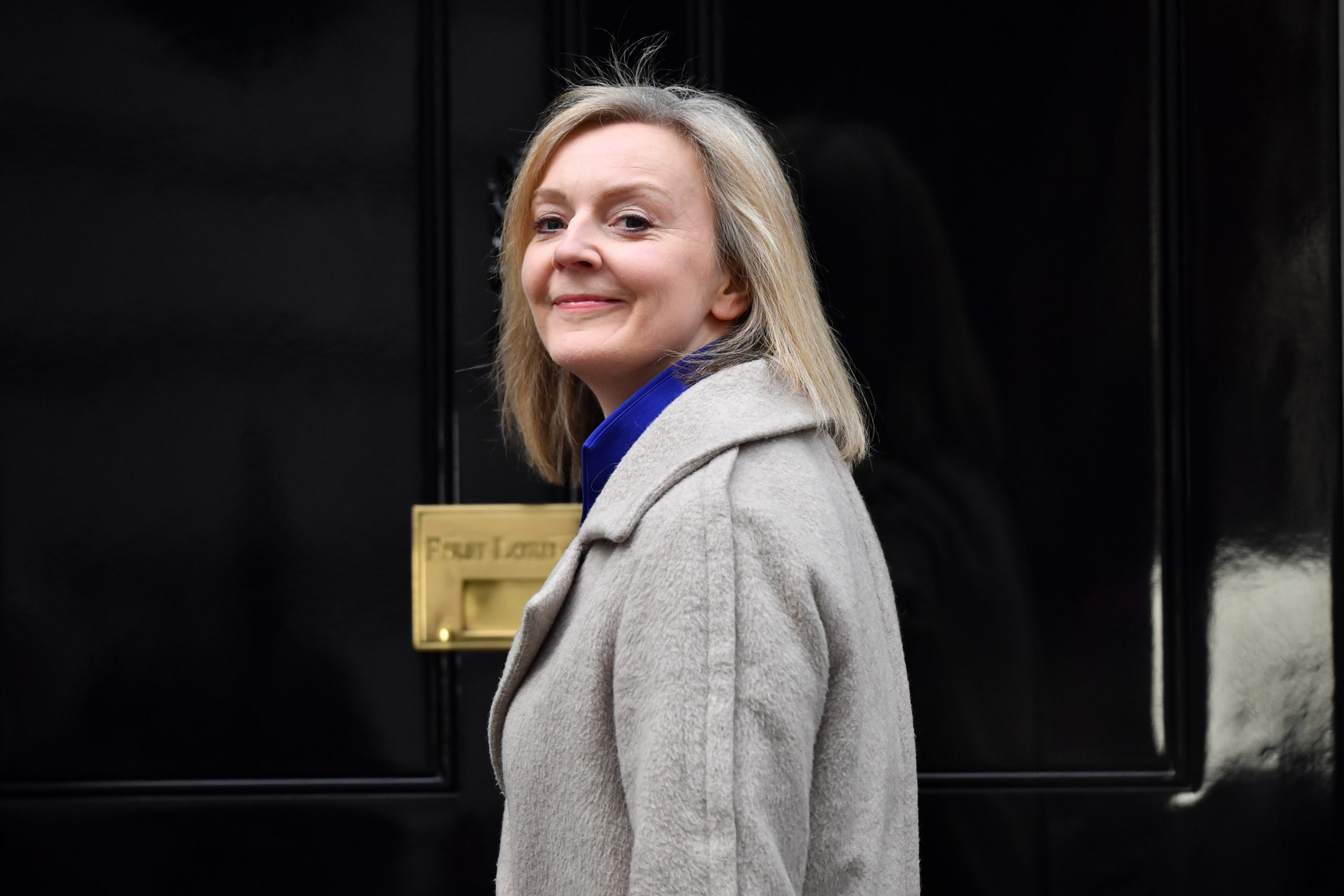Photo of Liz Truss warns UK post-Brexit border plans could face WTO challenge