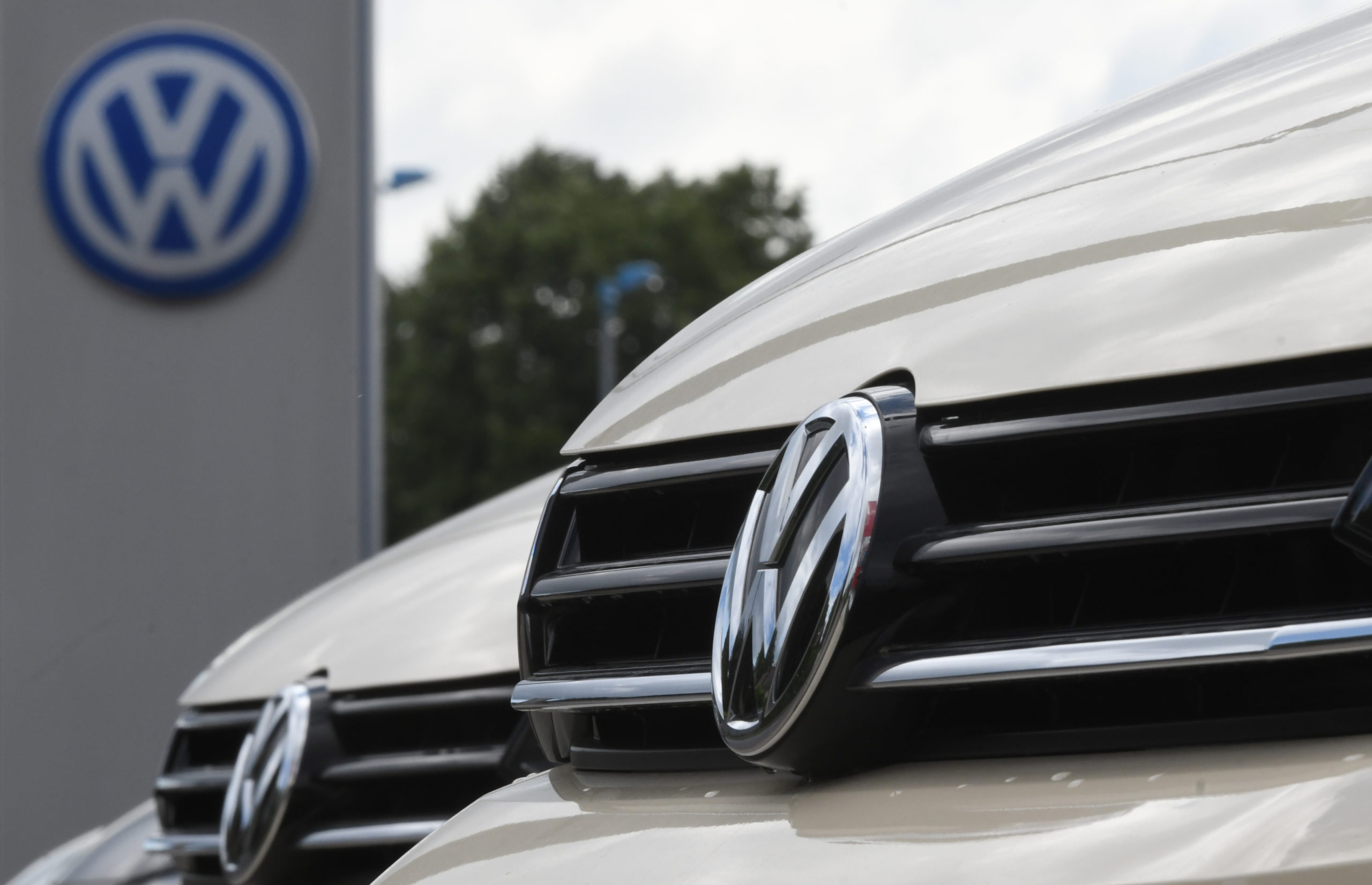Photo of Top MEP slams Volkswagen as complicit in Chinese oppression