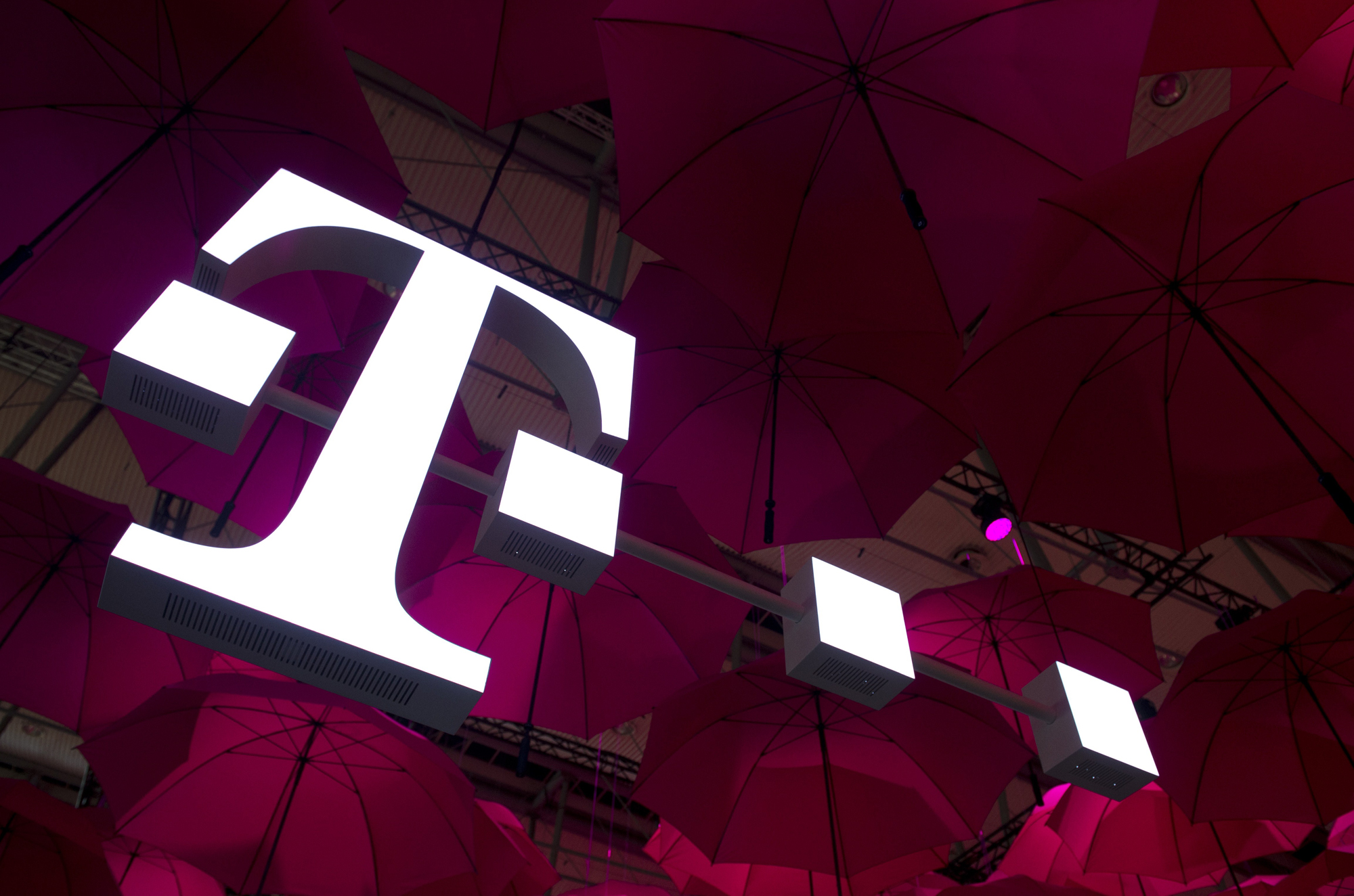 Photo of Deutsche Telekom under pressure after reports on Huawei reliance