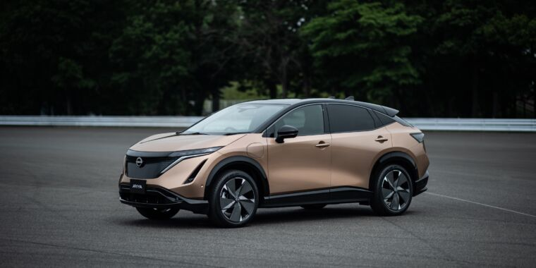 Photo of Heres Nissans next electric crossover, on sale in 2021 for $40,000