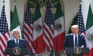 Photo of Trump, Mexican Leader Celebrate USMCA at White House