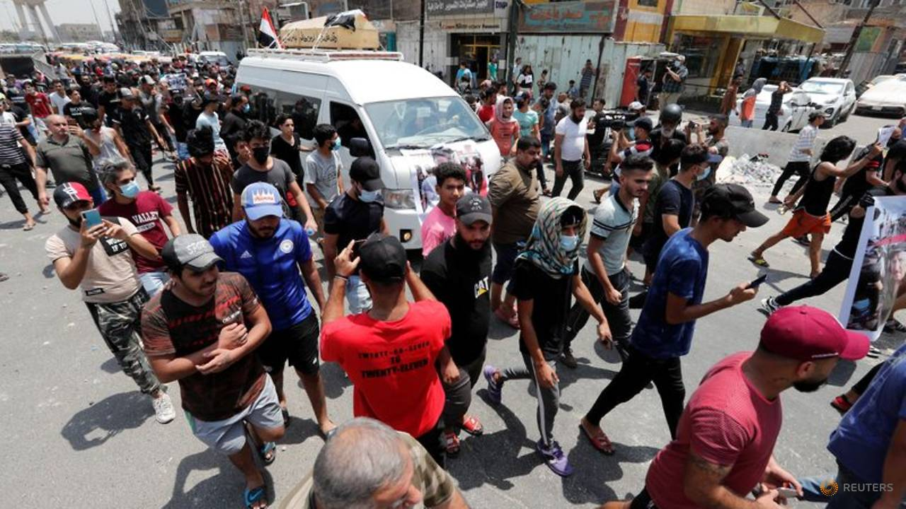 Photo of Two protesters die after clashes with police in Baghdad – medics, security sources