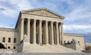 Photo of Supreme Court Keeps Florida Law Requiring Felons to Pay Fees Before Voting