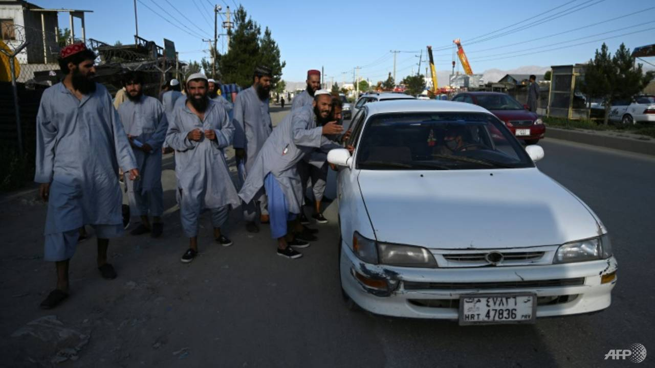 Photo of Taliban accuse Kabul of re-arresting freed insurgents