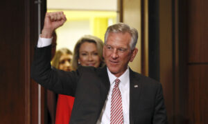 Photo of Tommy Tuberville Defeats Jeff Sessions to Win Alabama Senate GOP Primary