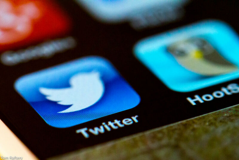 """Photo of Twitter hackers used """"phone spear phishing"""" in mass account takeover"""