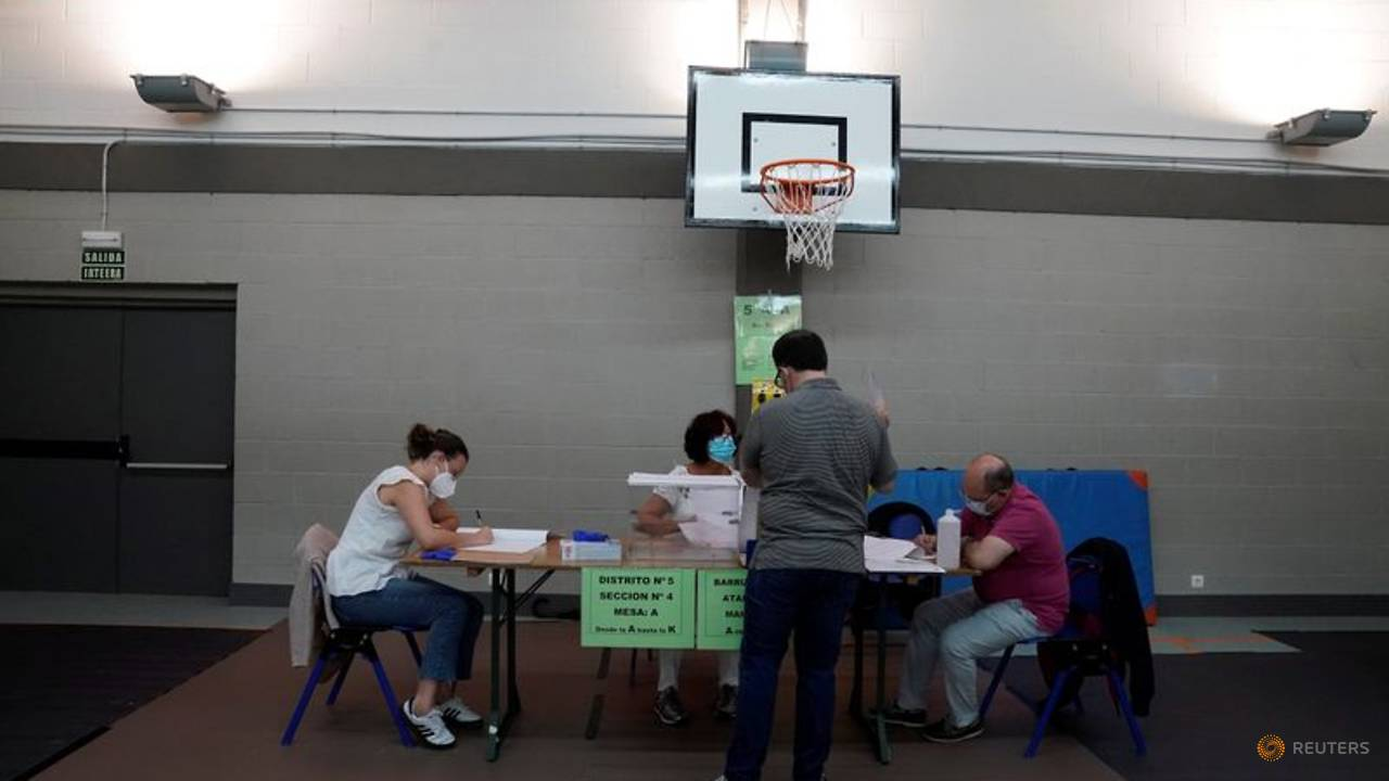 Photo of Safety first for Spaniards voting amid new COVID-19 outbreaks