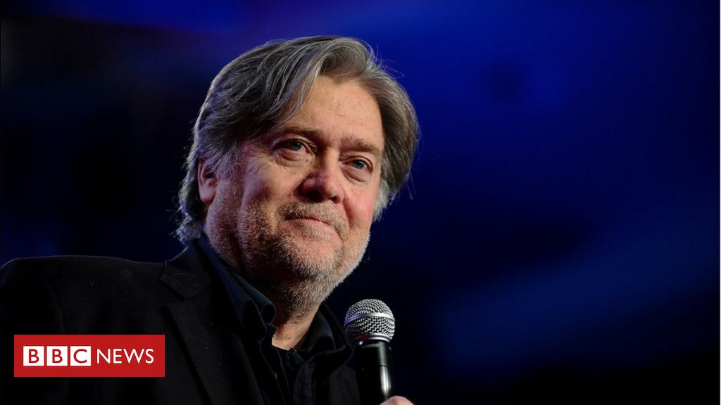 Photo of Steve Bannon charged with fraud over Mexico wall funds