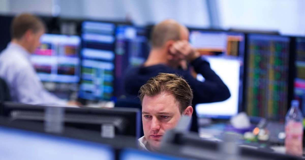 Photo of FTSE 100 closes 2.3% ahead as traders come back round to risk