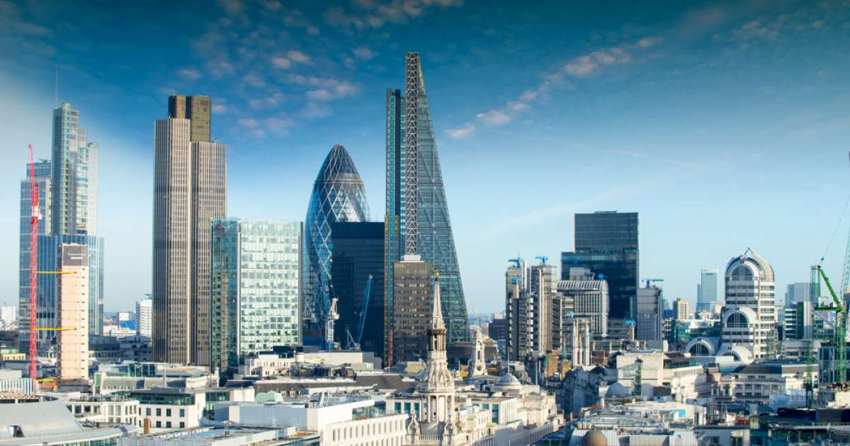 Photo of FTSE 100 closes 1.7% ahead as traders buy back into risk on vaccine hopes