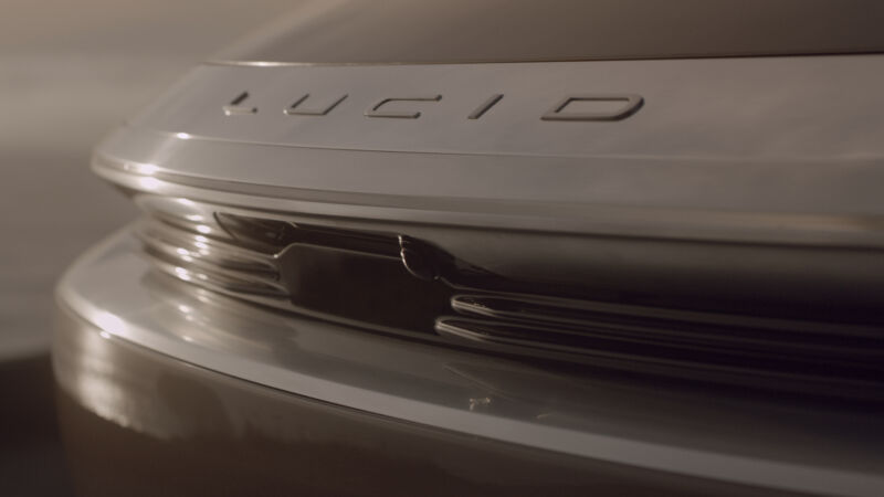Photo of Electric car startup Lucid is challenging Teslas anti-lidar stance