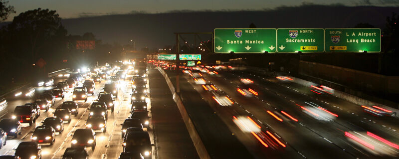Photo of In face of federal inaction, California gets five automakers to cut CO2