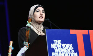 Photo of Biden Condemns Former Womens March Co-chair Linda Sarsour After She Appears at DNC