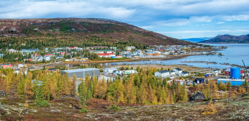 Photo of How cell phones and Facebook are changing remote Nunatsiavut