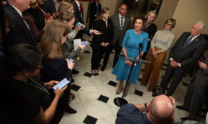 Photo of Pelosi Call With Meadows Yields No Breakthrough on Stimulus Package