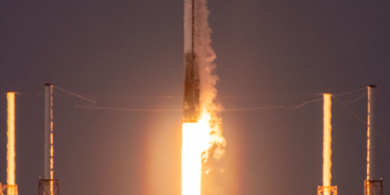 Photo of SpaceX launched a Falcon 9 rocket Sunday that was historic for two reasons