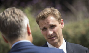 Photo of UK Minister Says France Must Tackle Channel Migrant Crossings