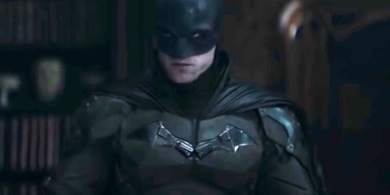 Photo of Robert Pattinson is a broody Caped Crusader in first teaser for The Batman