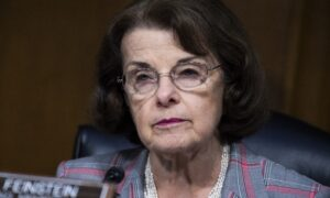 Photo of Feinstein Praises China, Opposes Bill That Would Let Americans Sue CCP